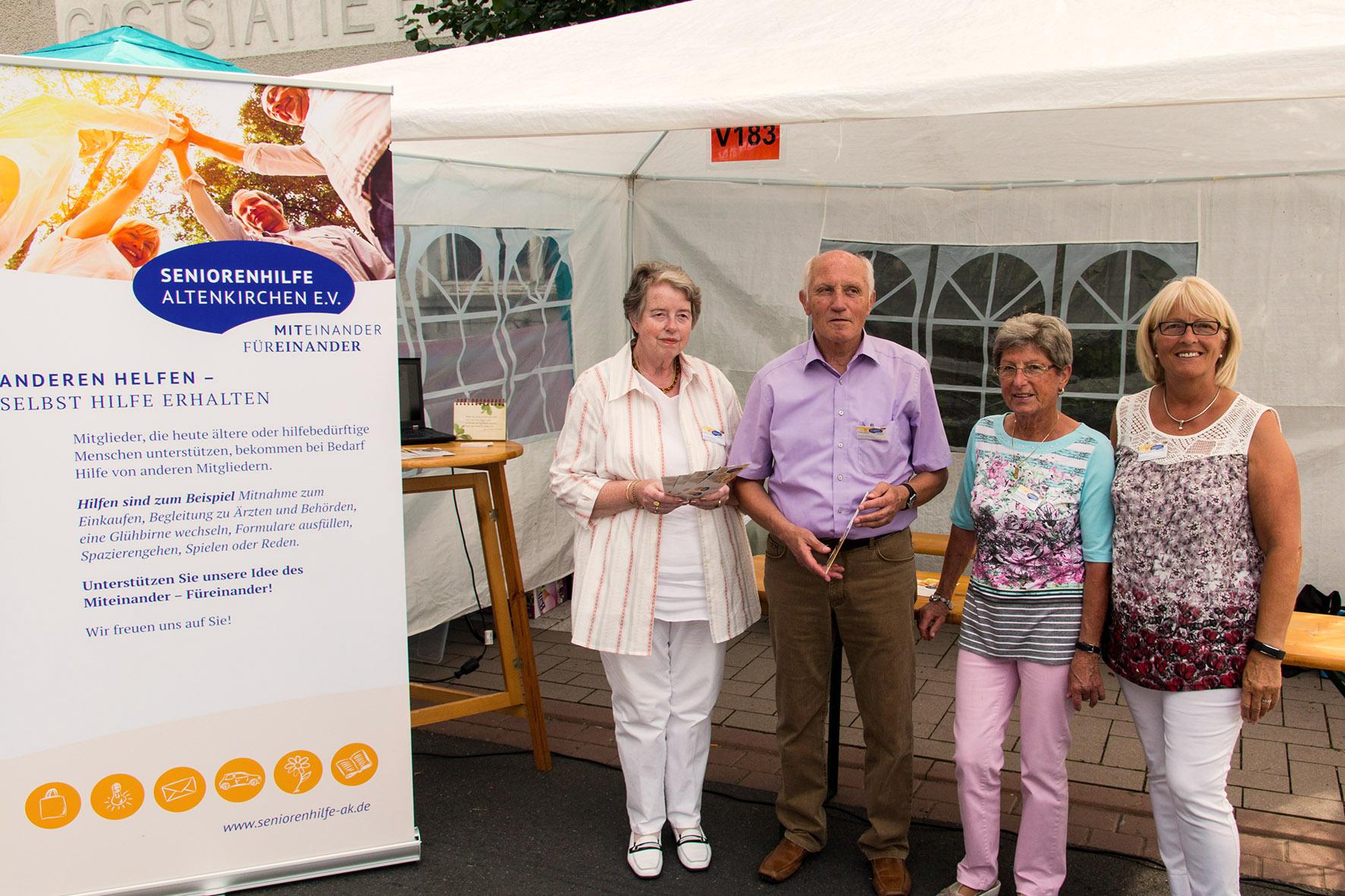 Der Stand der Seniorenhilfe beim Kreisheimattag in Altenkirchen